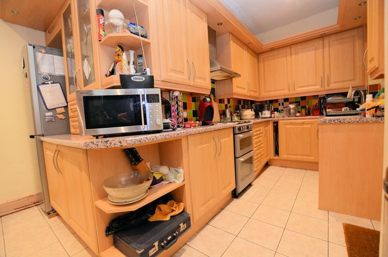 4 bed house for sale in West Park Road  - Property Image 9