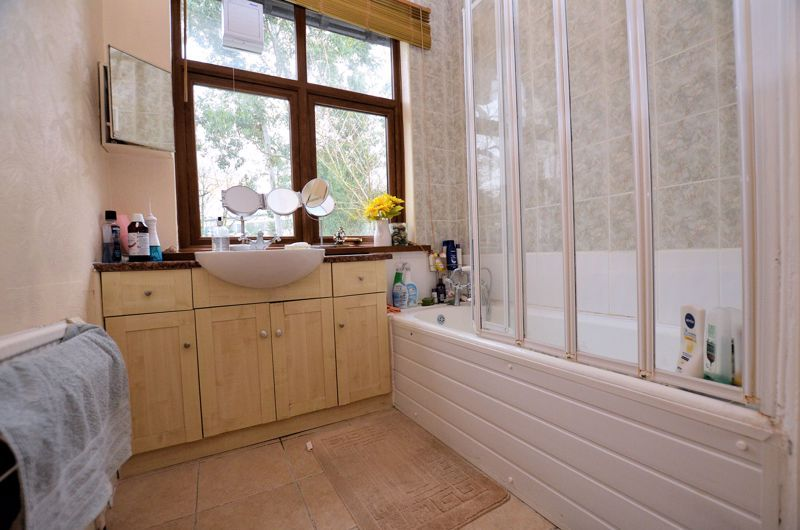 4 bed house for sale in West Park Road  - Property Image 10