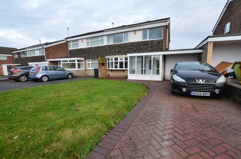 3 bed house for sale in Roundhills Road, B62