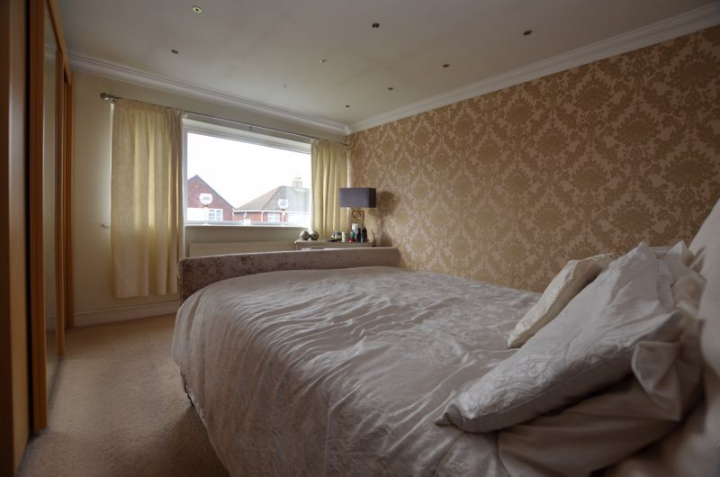 3 bed house for sale in Roundhills Road  - Property Image 10