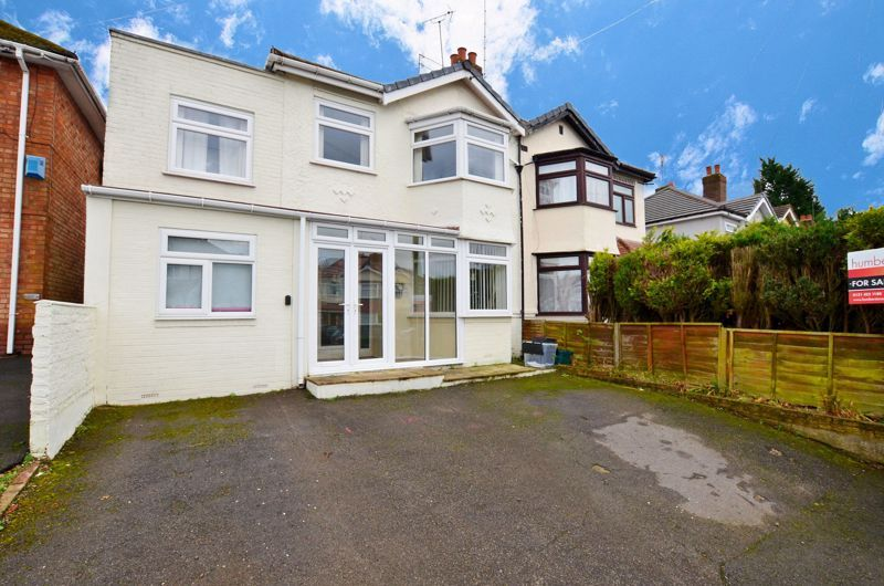 4 bed house for sale in Stanley Road  - Property Image 1