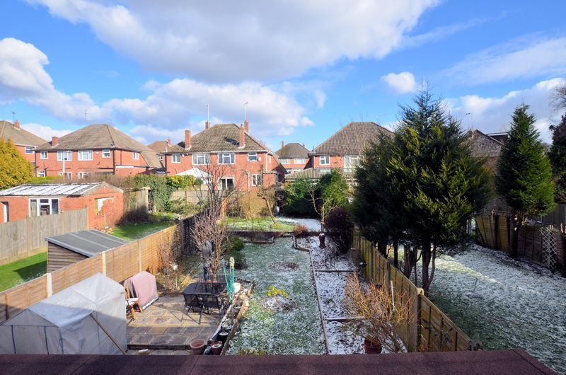 4 bed house for sale in Stanley Road 12