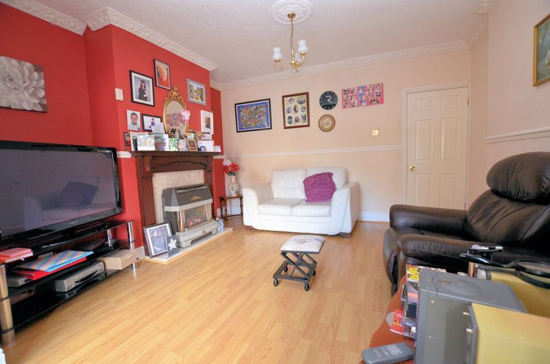 4 bed house for sale in Stanley Road 13