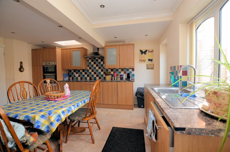 4 bed house for sale in Stanley Road 14