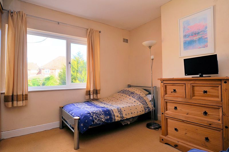 4 bed house for sale in Stanley Road 10