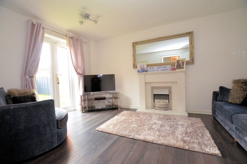 3 bed house for sale in Old College Avenue 2