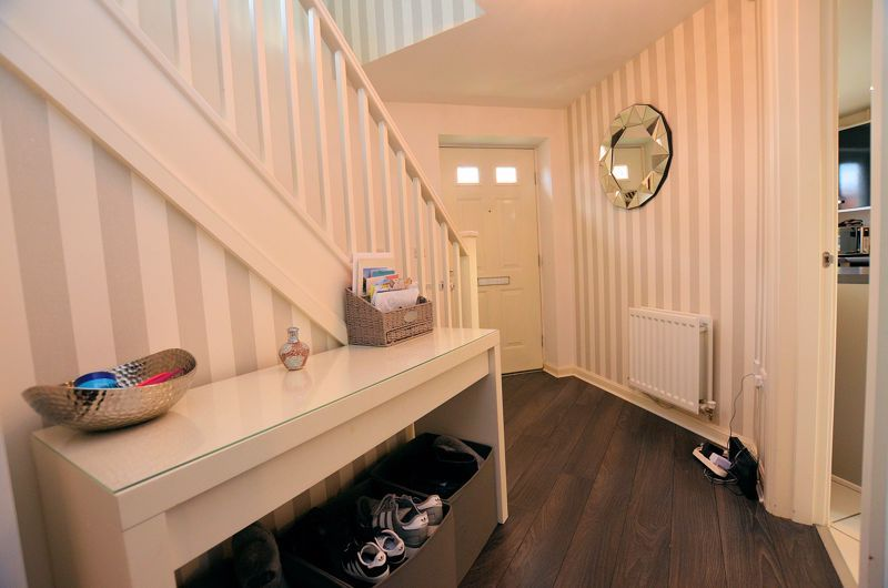 3 bed house for sale in Old College Avenue 4