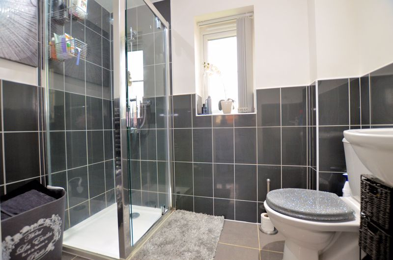3 bed house for sale in Old College Avenue 6
