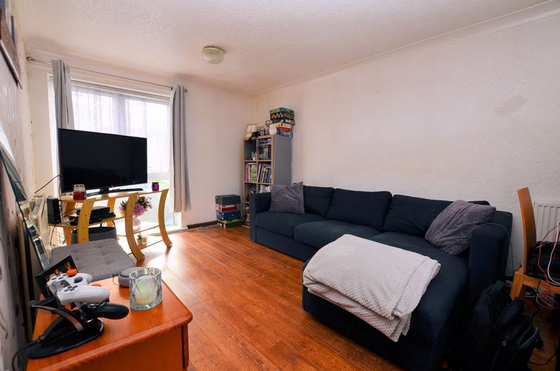 1 bed flat for sale in Malpas Drive  - Property Image 2