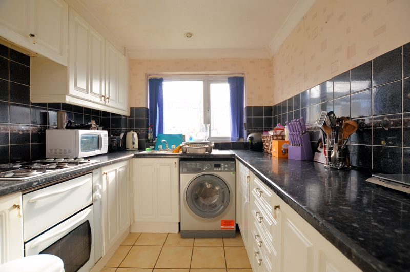 1 bed flat for sale in Malpas Drive 4