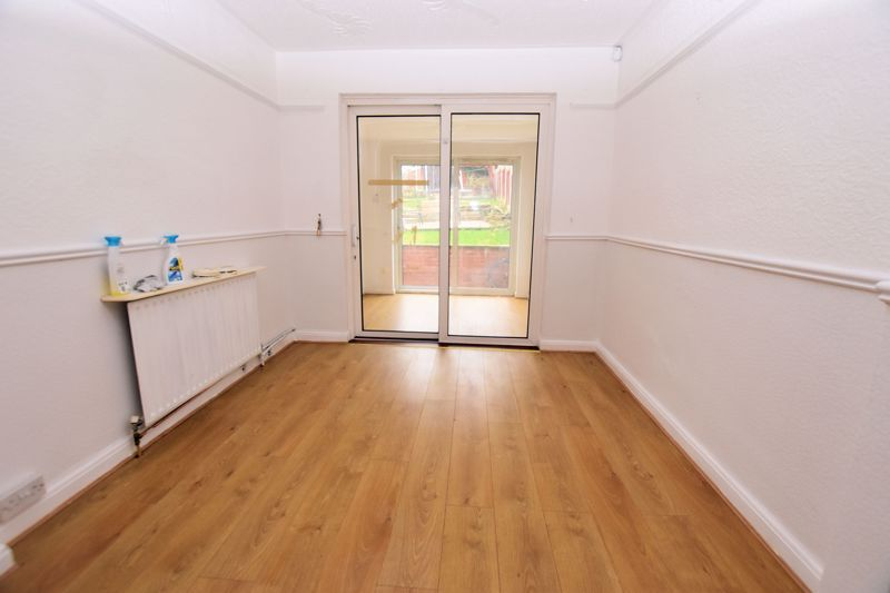 3 bed house for sale in Lewis Road  - Property Image 6
