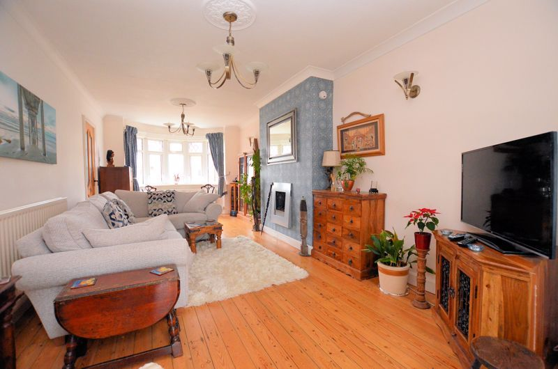 3 bed house for sale in Bent Avenue 2