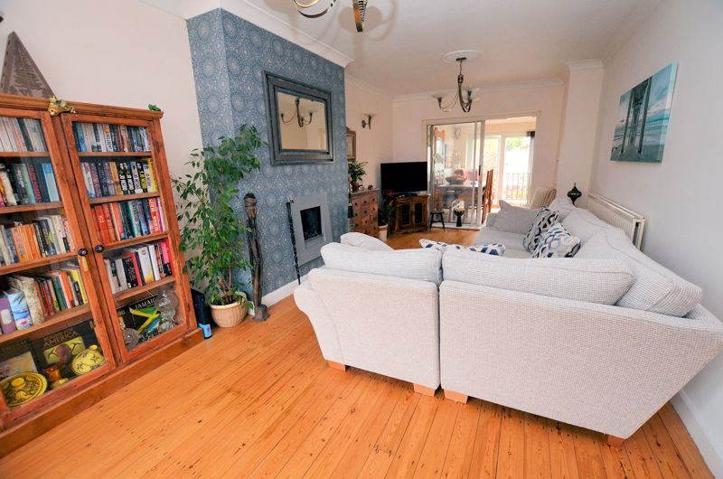 3 bed house for sale in Bent Avenue 12