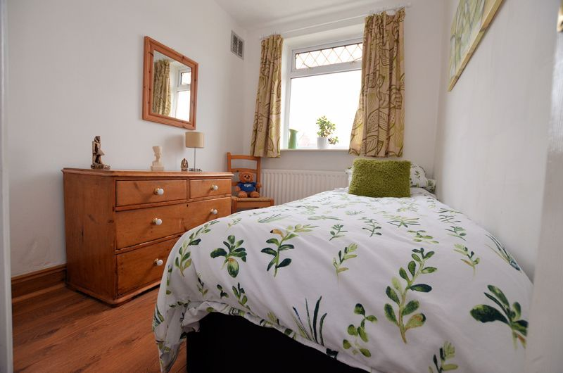 3 bed house for sale in Bent Avenue 17