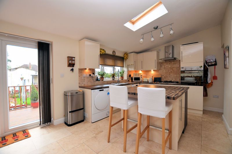3 bed house for sale in Bent Avenue 3