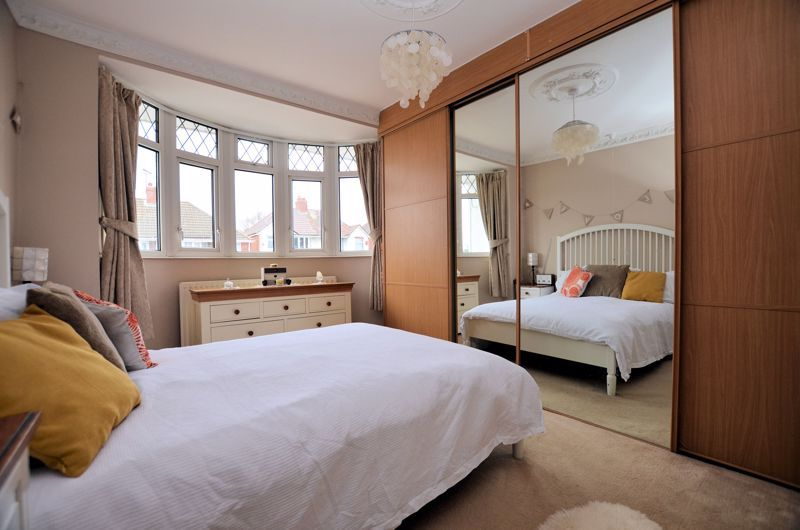 3 bed house for sale in Bent Avenue 5