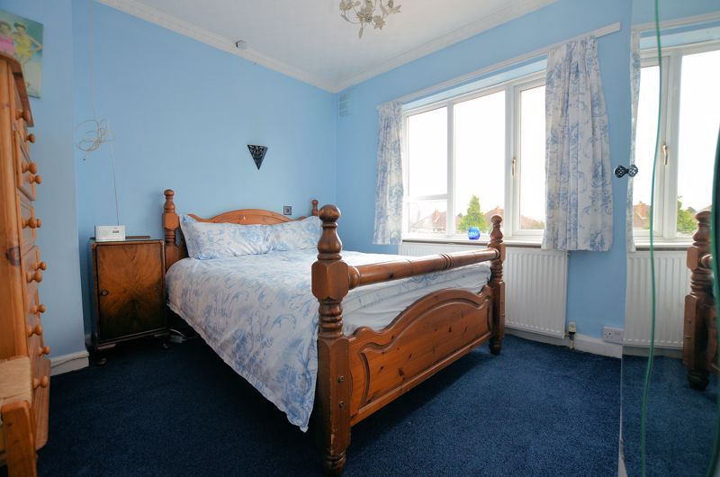 3 bed house for sale in Bent Avenue 6