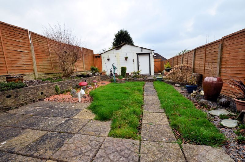 3 bed house for sale in Bent Avenue 7