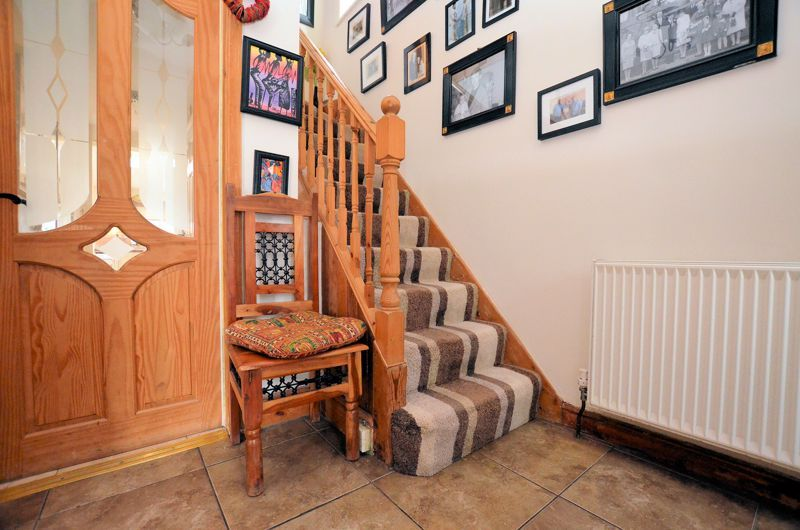 3 bed house for sale in Bent Avenue 8