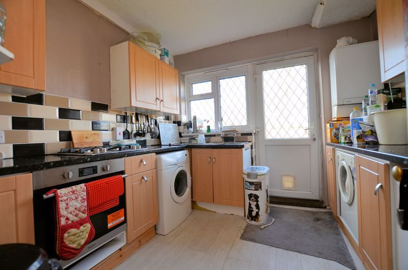 2 bed flat for sale in Lee Gardens 3