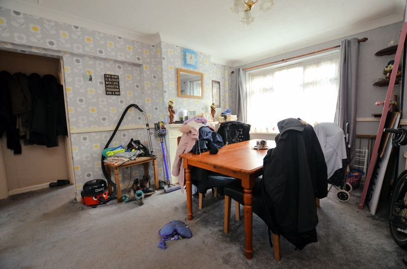 2 bed flat for sale in Lee Gardens  - Property Image 5