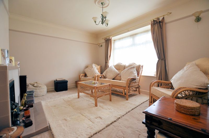 3 bed house for sale in Hales Crescent 2