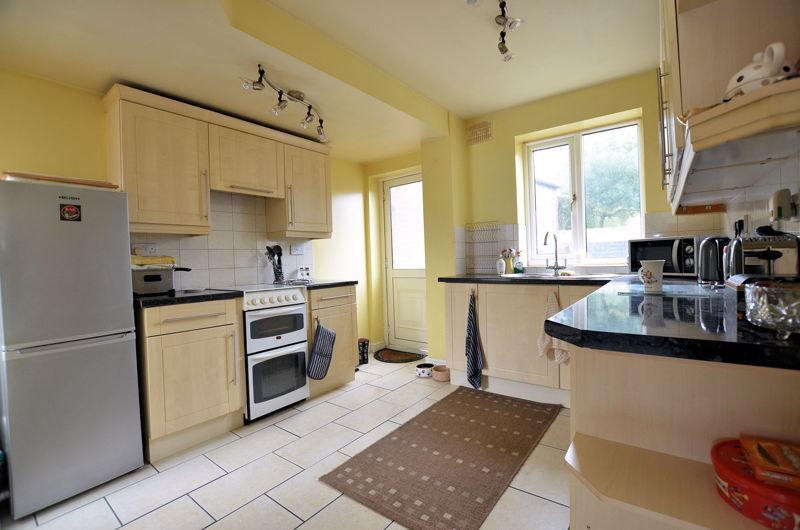 3 bed house for sale in Hales Crescent 11