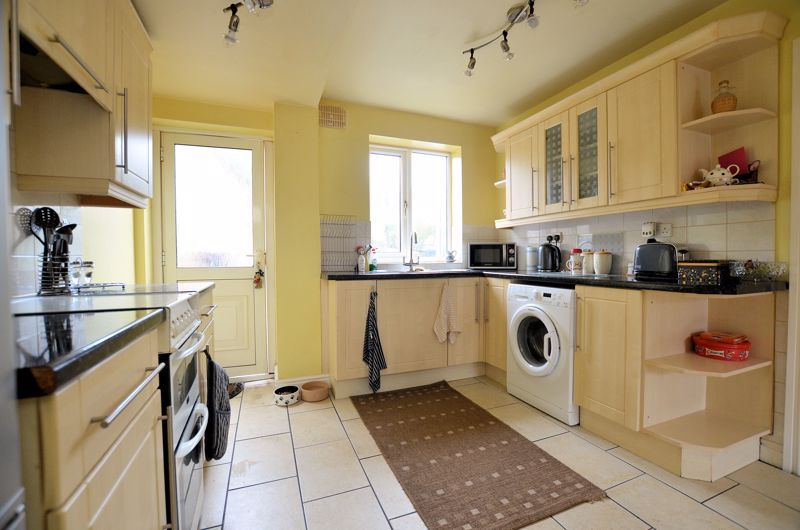 3 bed house for sale in Hales Crescent 3