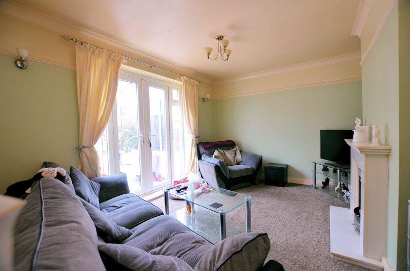 3 bed house for sale in Hales Crescent 4