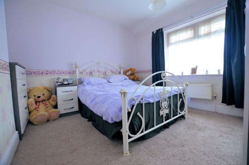 3 bed house for sale in Hales Crescent 5