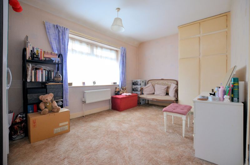 3 bed house for sale in Hales Crescent 6