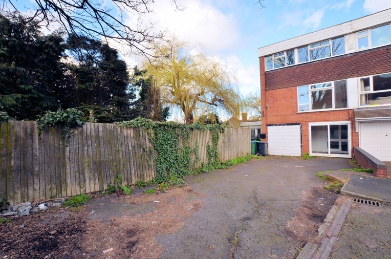 4 bed house for sale in Bond Street 1