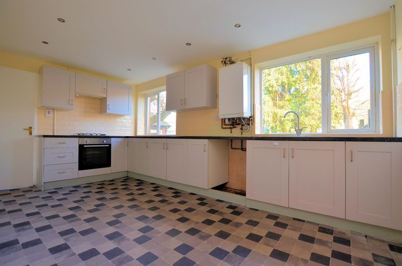 4 bed house for sale in Bond Street 3