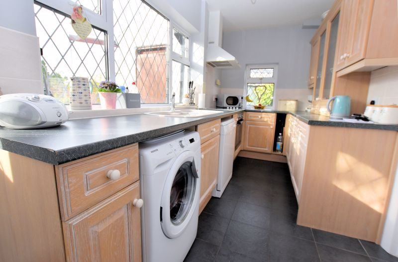 3 bed house for sale in Narrow Lane 5
