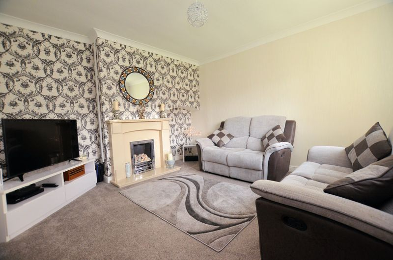 3 bed house for sale in Brook Road 2