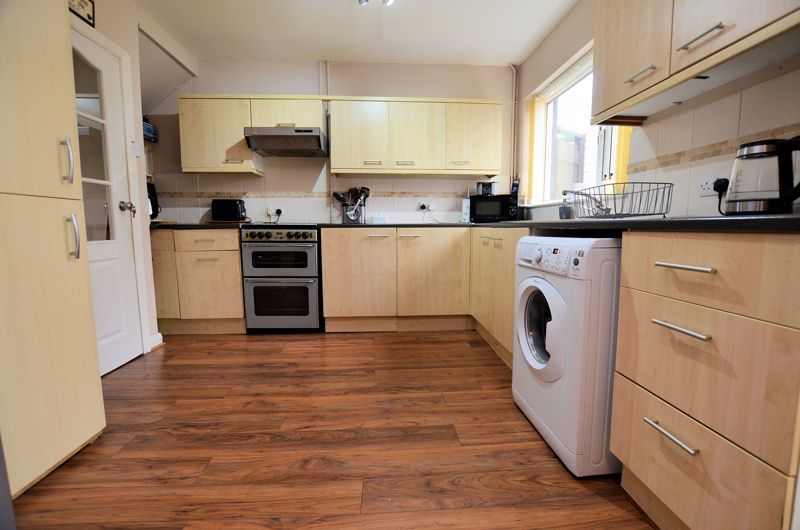 3 bed house for sale in Brook Road  - Property Image 3