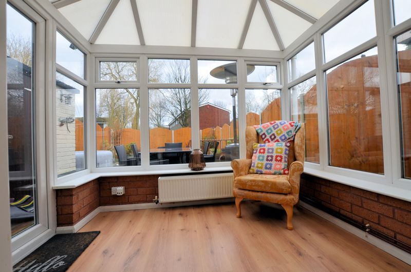 3 bed house for sale in Brook Road 4