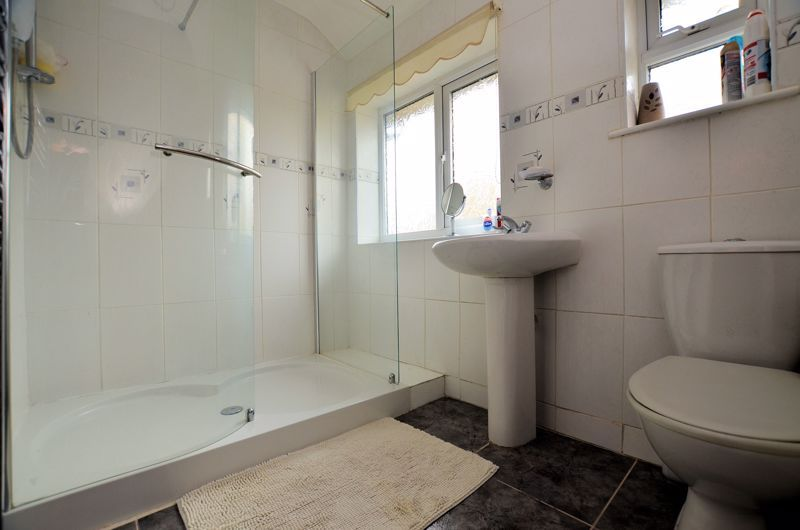 3 bed house for sale in Brook Road 8