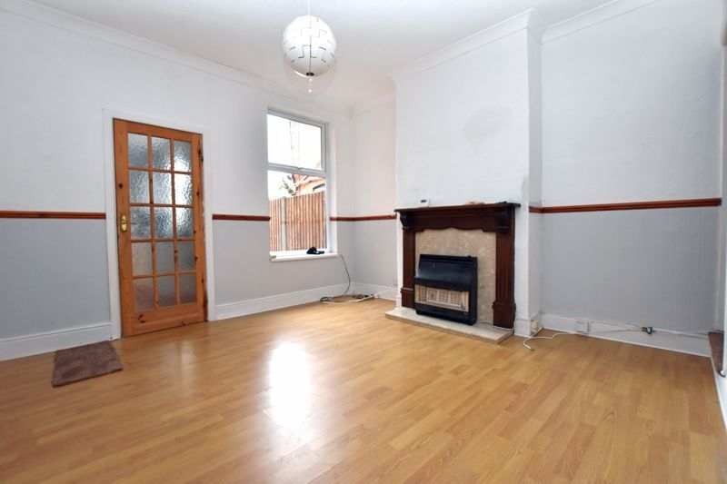 2 bed house to rent in Selsey Road 3