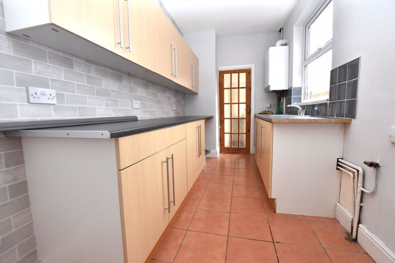2 bed house to rent in Selsey Road 6