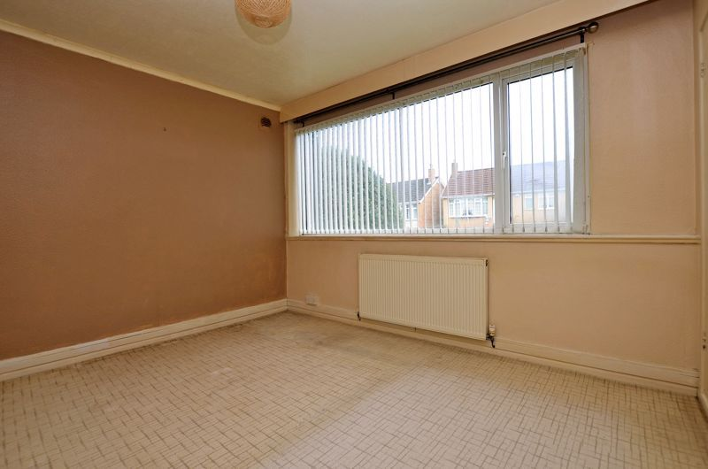 2 bed flat for sale in Hurst Green Road  - Property Image 5