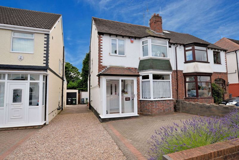 3 bed house for sale in Castle Road West 1