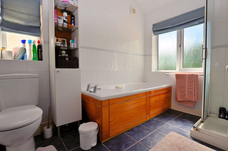 3 bed house for sale in Castle Road West 7