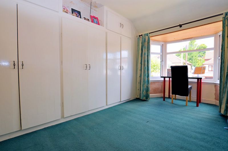 3 bed house for sale in Castle Road West 10