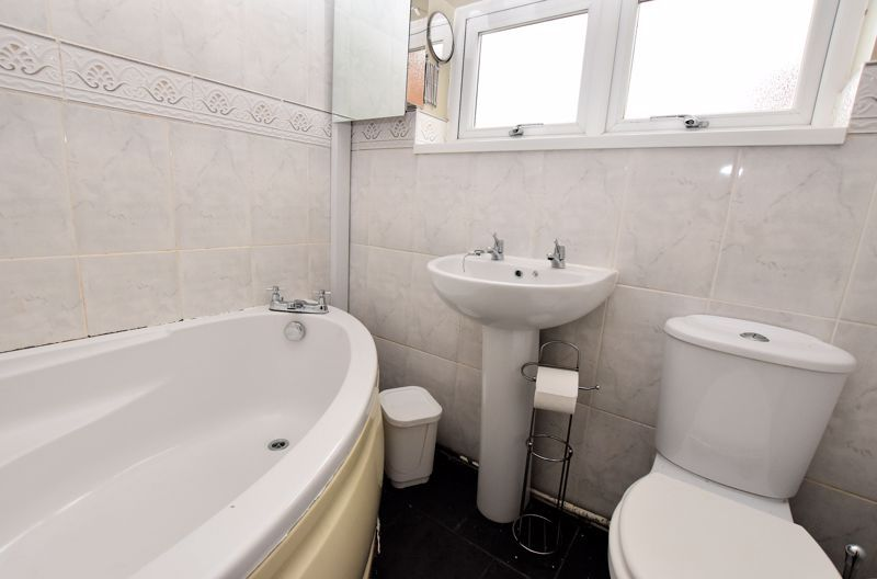 4 bed house to rent in Cornwall Avenue 14