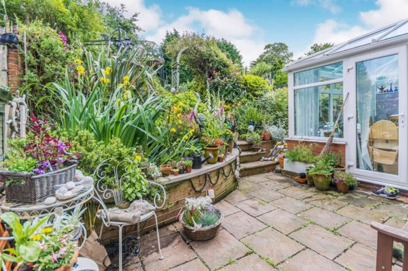 4 bed house to rent in Cornwall Avenue 15