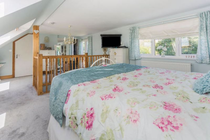 4 bed house to rent in Cornwall Avenue  - Property Image 7