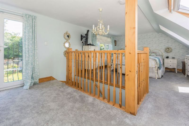 4 bed house to rent in Cornwall Avenue  - Property Image 9