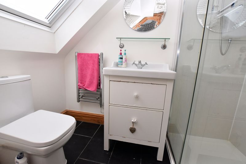 4 bed house to rent in Cornwall Avenue 10