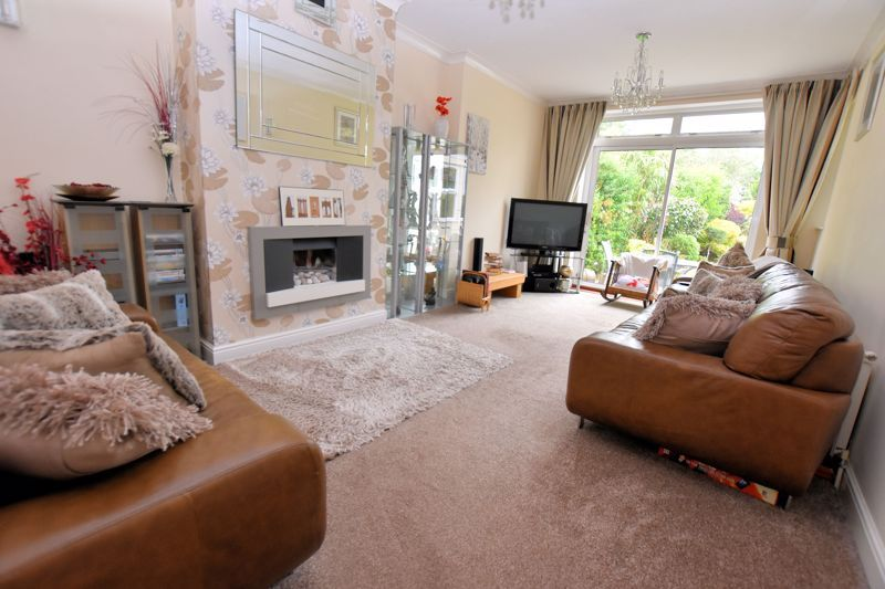 4 bed house for sale in Stoney Lane 3